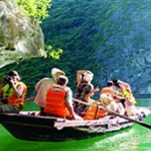 Luon Cave - Ha Long Bay