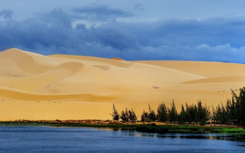 Mui Ne - Mui Yen & White Sand Dunes Jeep Tour