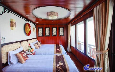 Viola Cruise - Ovenight Junk