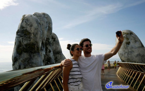 Da Nang - Golden Bridge - Bana Hills Journey